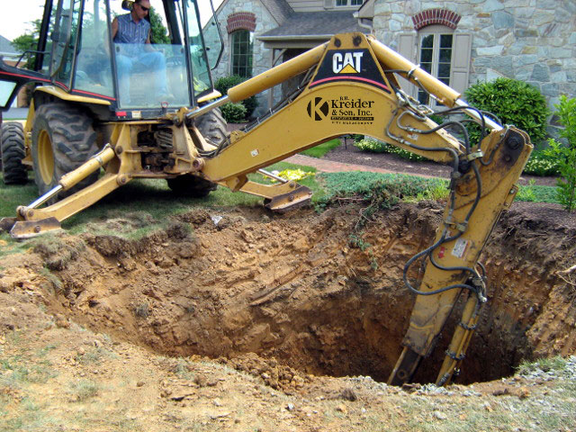 Emergency excavating services